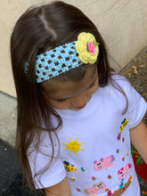 Load image into Gallery viewer, Flower Crochet Headband