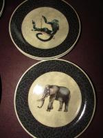 Black dinner plates & dessert plates with (I.Godinger& co)
