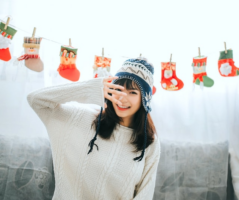 10 Simple ways to Make the Best of Holiday Stress | Mirra Skincare