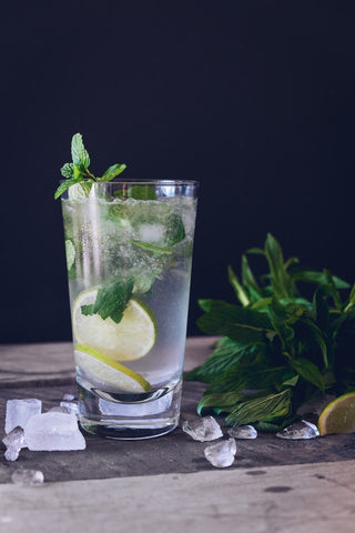 20 Detox Water Benefits That Will Help You Live a *Rich* Life