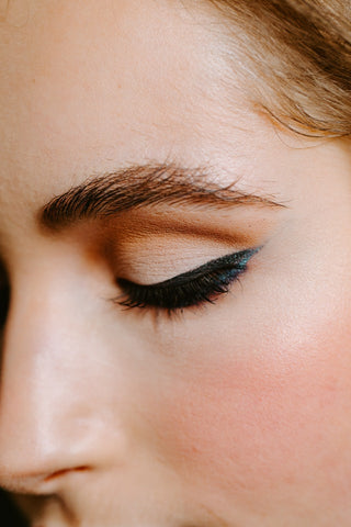 7 Incredible Tips for Your New Year's Eve Makeup Look Mirra Skincare