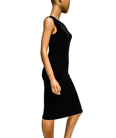 Sleeveless Fitted Black Dress