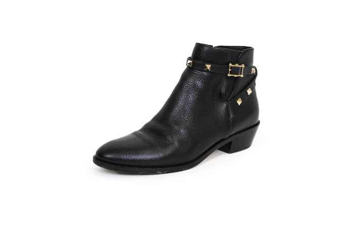 Rockstud Grainy Calfskin Leather Ankle Bootie