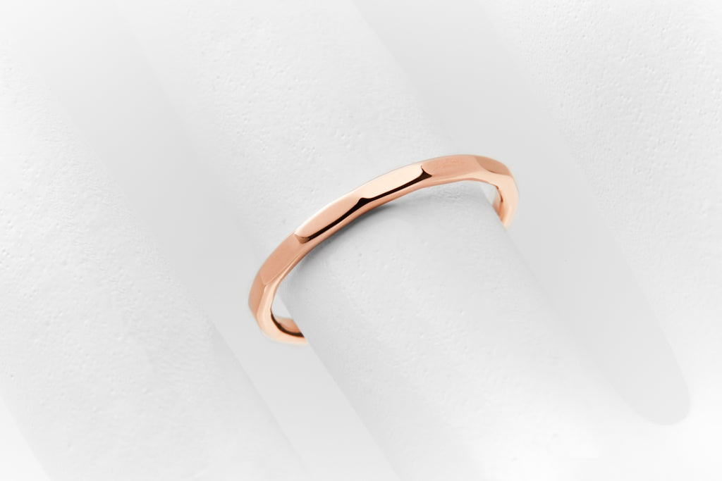 DELICATE Ring Queens Rosegold