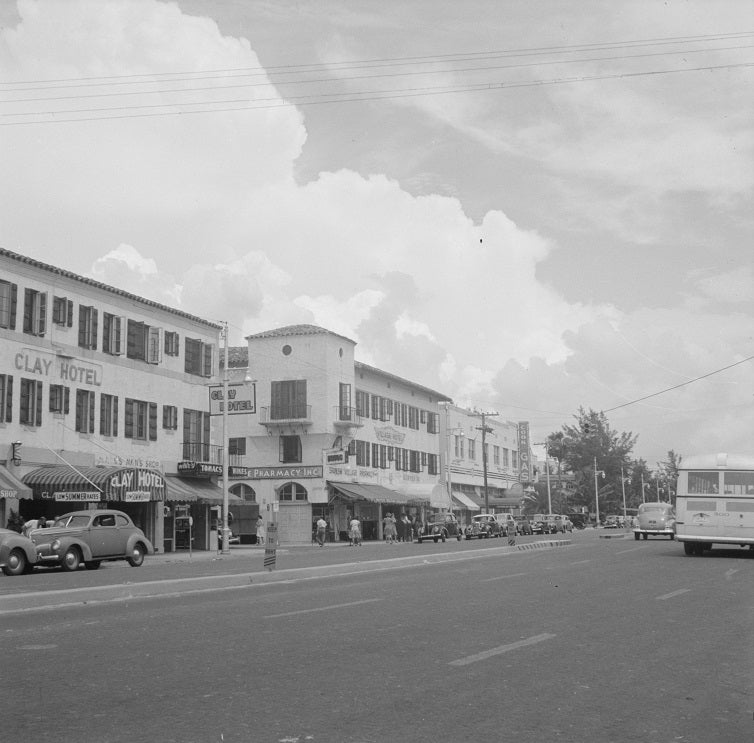 Washington Avenue - Miami Beach 1941 Print