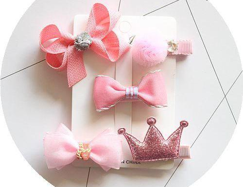 Baby girl head accessories.
