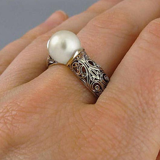 Rachel Ring with a pearl and golden accents Wear On