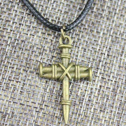 Eden Necklace in golden steel Jesus cross made out of nails