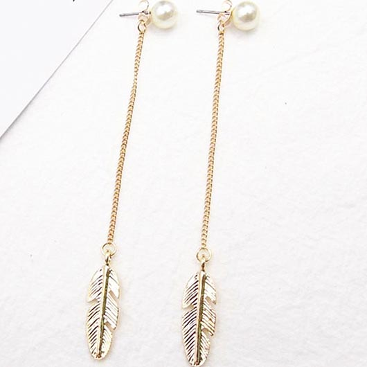 Aquilla Earrings with gold steel and feathers