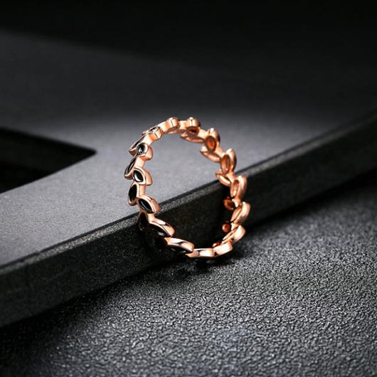 Pekahiah Ring with golden copper and black leaves