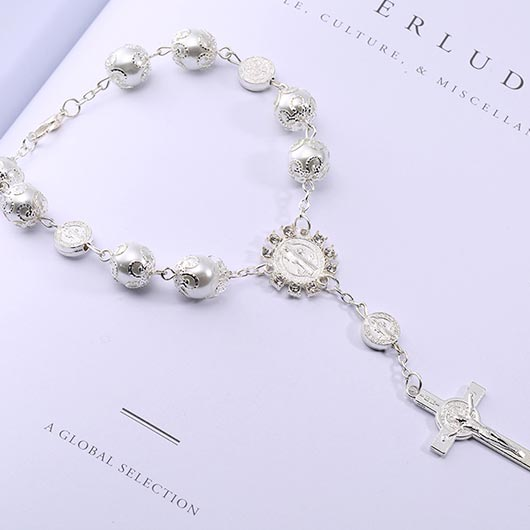 Maria Bracelet with white pearls and cross pendant