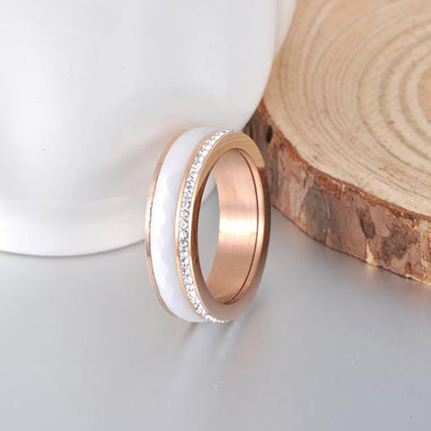 Talitha Purity Ring in rosegold with ceramic material
