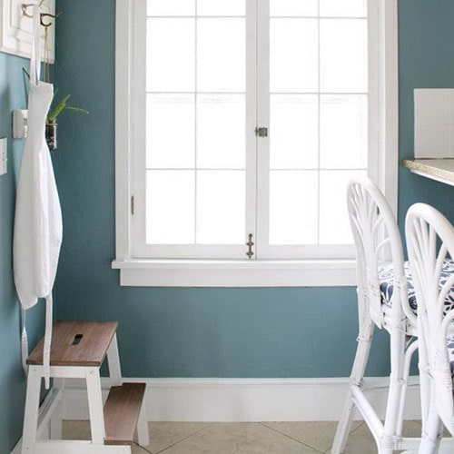 Benjamin Moore Color of the Year 2136-40 Aegean Teal in a kitchen/mud room accented with white