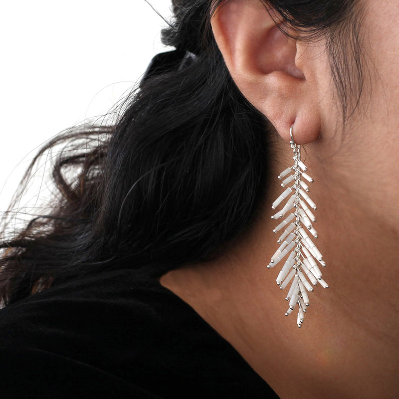Feather Duster Earrings: Blanco