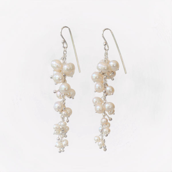 Delicate Feather Earrings in Silver: Pearl