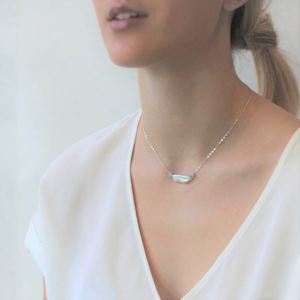 Alexis Pearl Necklace: Aqua Elong