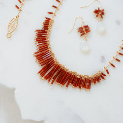 Deco Necklace: Gold/Rojo