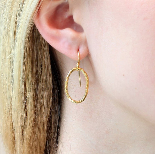 Linked Earrings in Gold