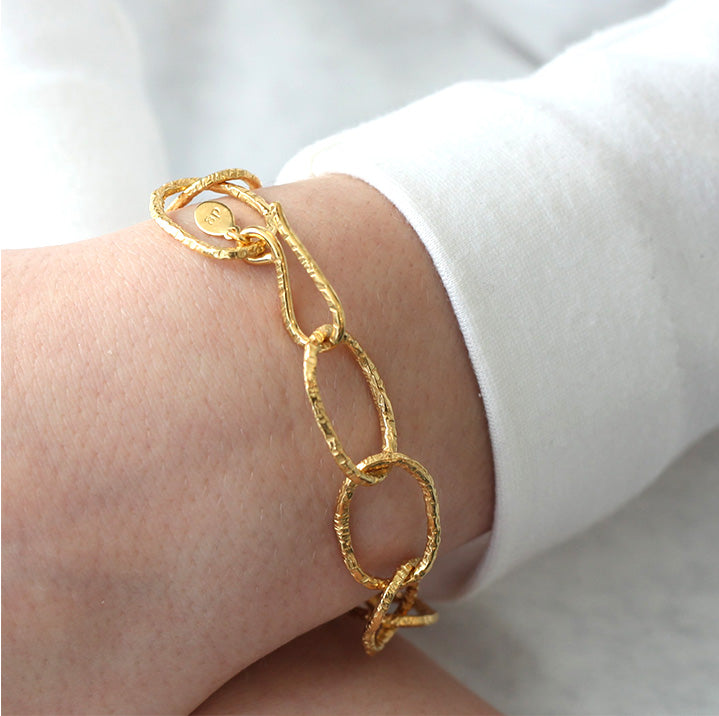 Linked Bracelet in Gold