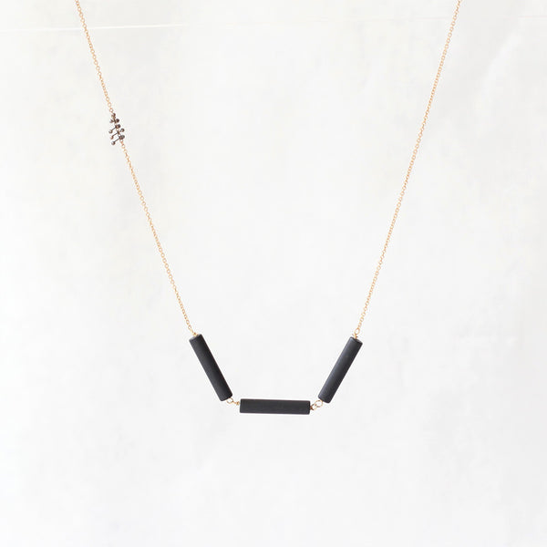 Onyx Barrel Necklace: Gold