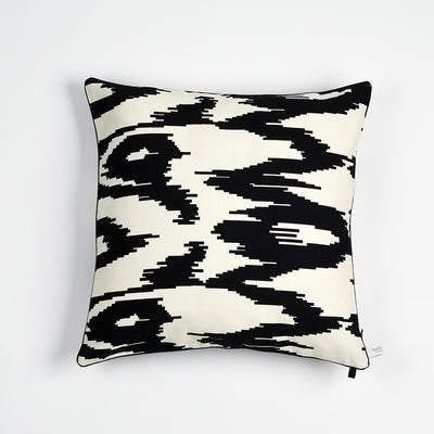 "Kissen ""IKAT BIG"" BLACK FANCY 40x40cm   Cotton_Struktur"