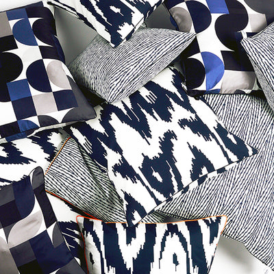 "Kissen ""IKAT HERRINGBONE"" BLUE FANCY 50x50cm   Cotton_Struktur"