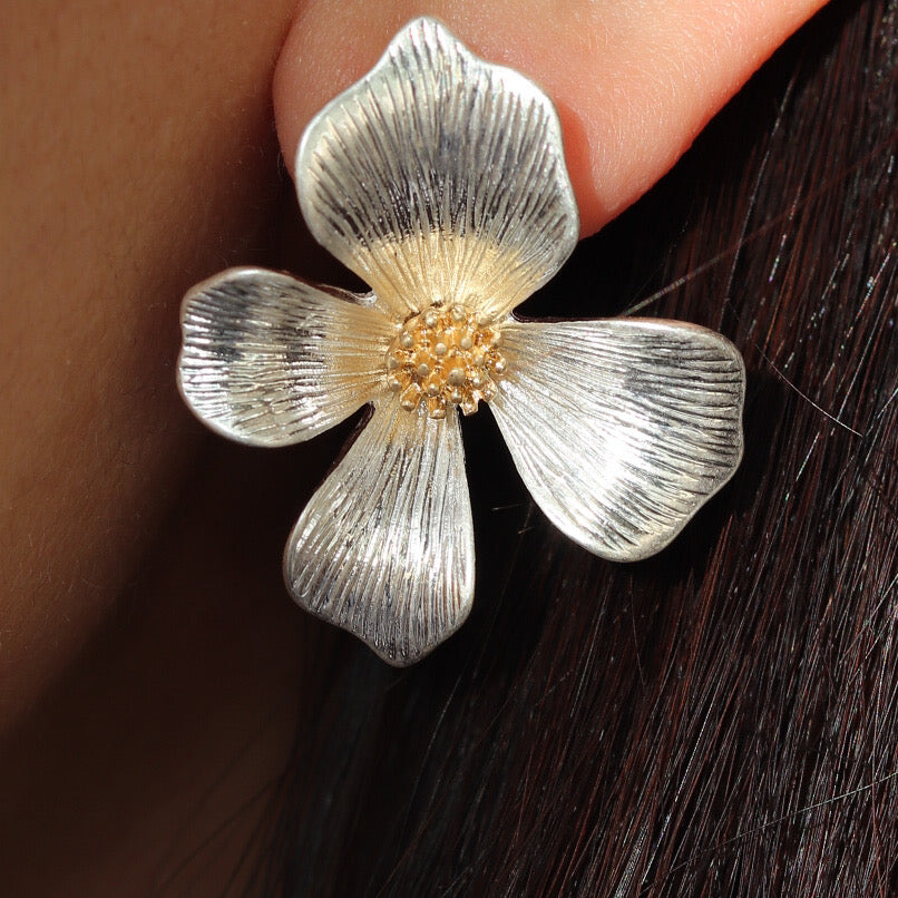 Jaylen Flower Earrings (Silver)