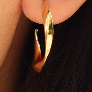 14K Dakota Hoops