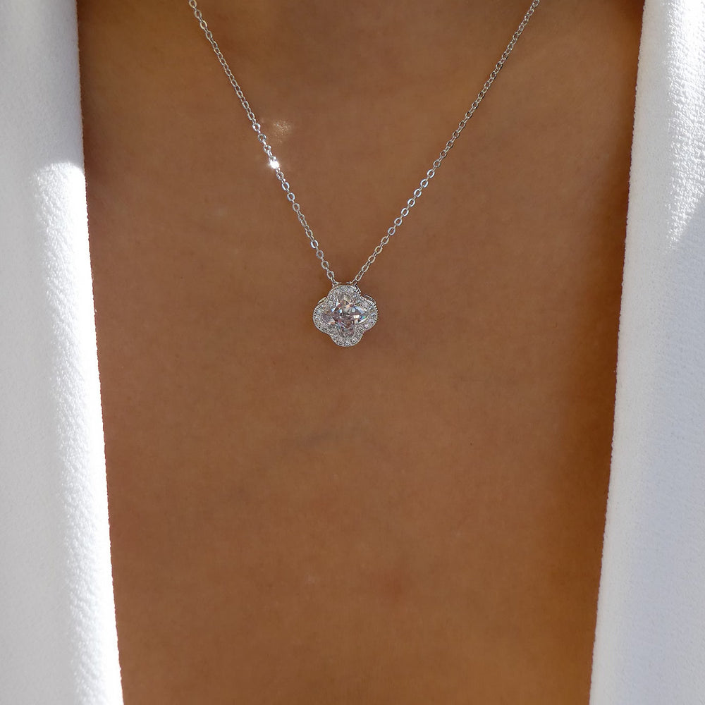 Simple Crystal Clover Necklace (Silver)