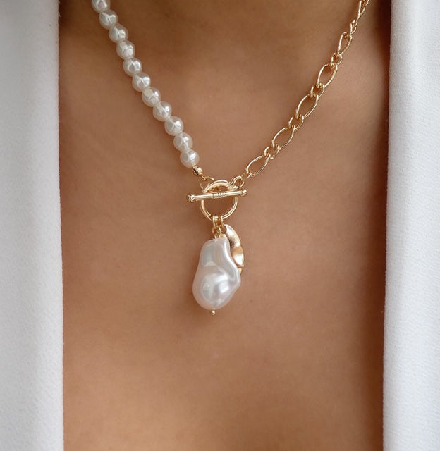 Sydney Pearl Necklace