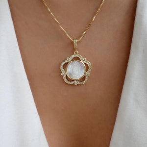 Pedra Mary Necklace