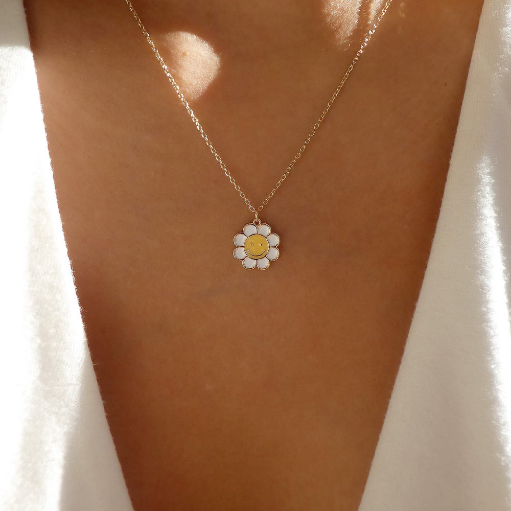Smiley Daisy Necklace