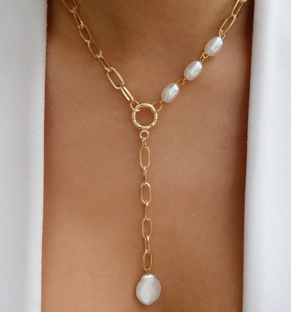 Annika Pearl Necklace