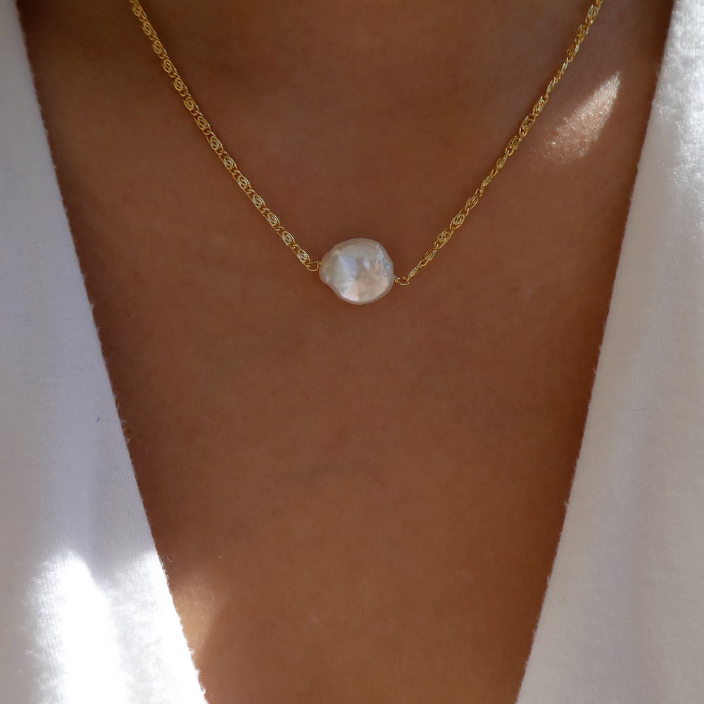 Kiki Pearl Necklace