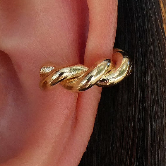 Simple Twist Ear Cuff