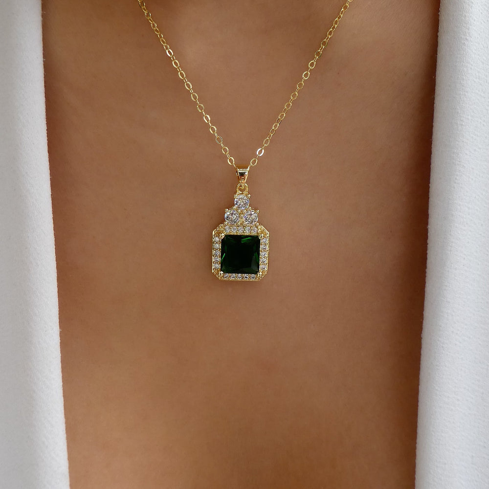 Emerald Miley Necklace
