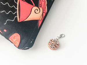 Cinnamon Bun Zipper Pull - The Handmaker's Bag