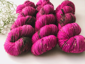 Berry Crush on Sagebrush Base Sock Weight Donegal Tweed Sock Yarn 100g - The Handmaker's Bag