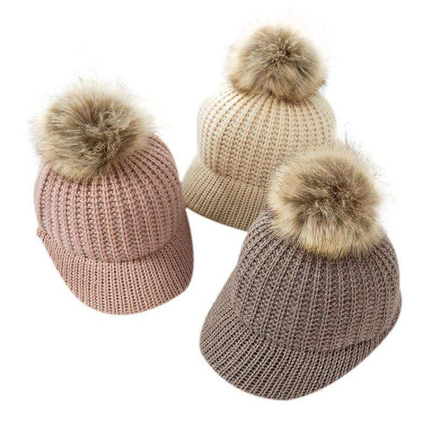 Knitted Hat w. Pompom
