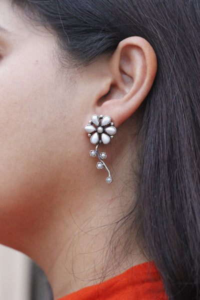 Floral pearl earring sterling silver