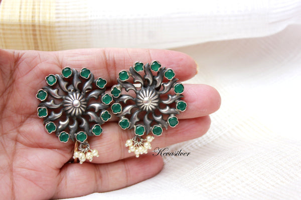 Green onyx and pearl with oxidised silver large stud