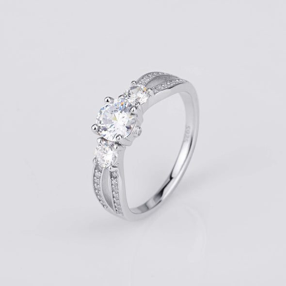925 Sterling Silver 3 Round Stone Ring Made By Zirconia - onlyone