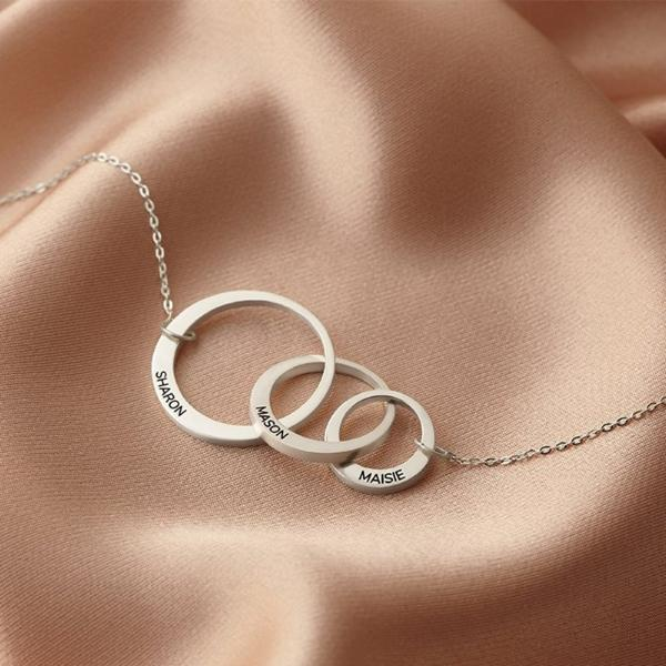 925 Sterling Silver Mom And Child Engraved Circle Necklace Gift For Mom - onlyone