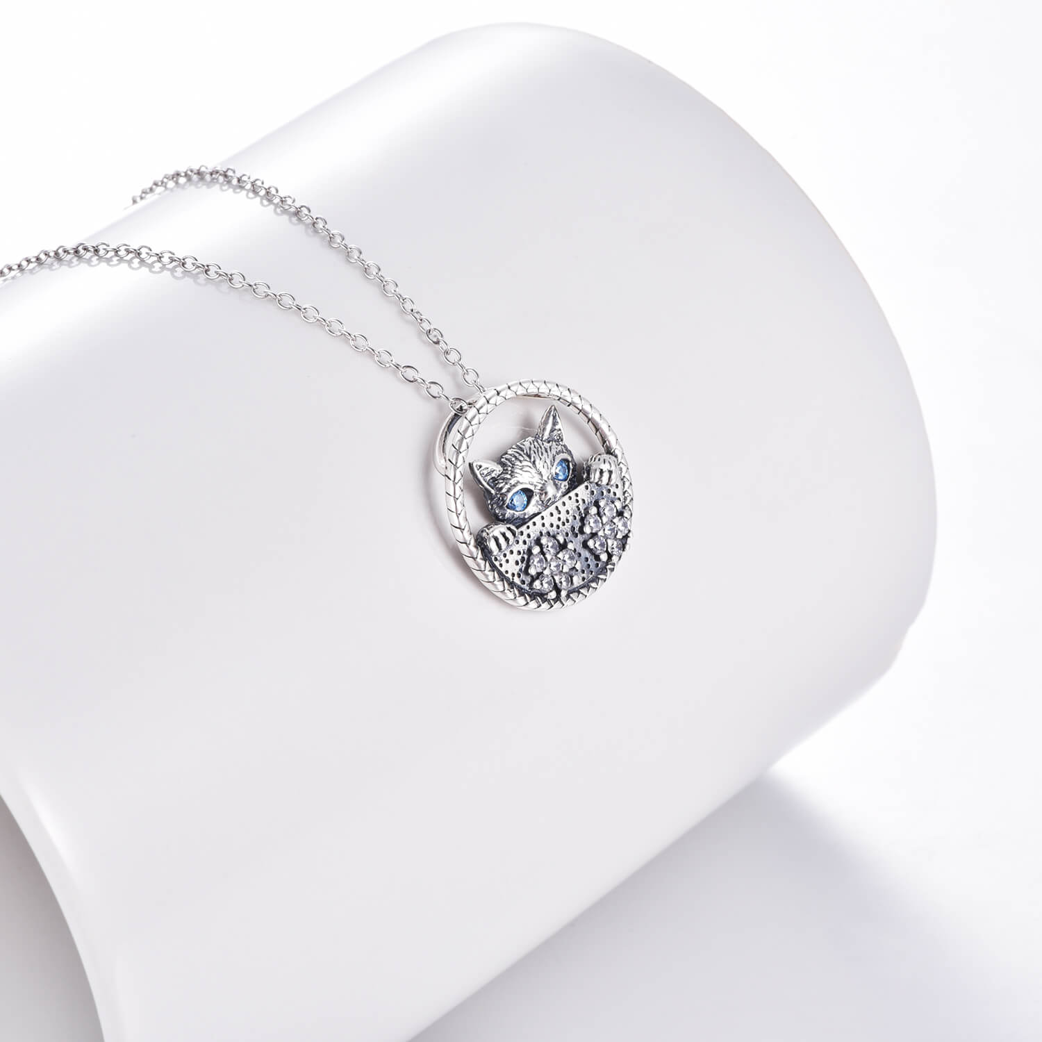 925 Sterling Silver Zirconia Cat Face Necklace - onlyone