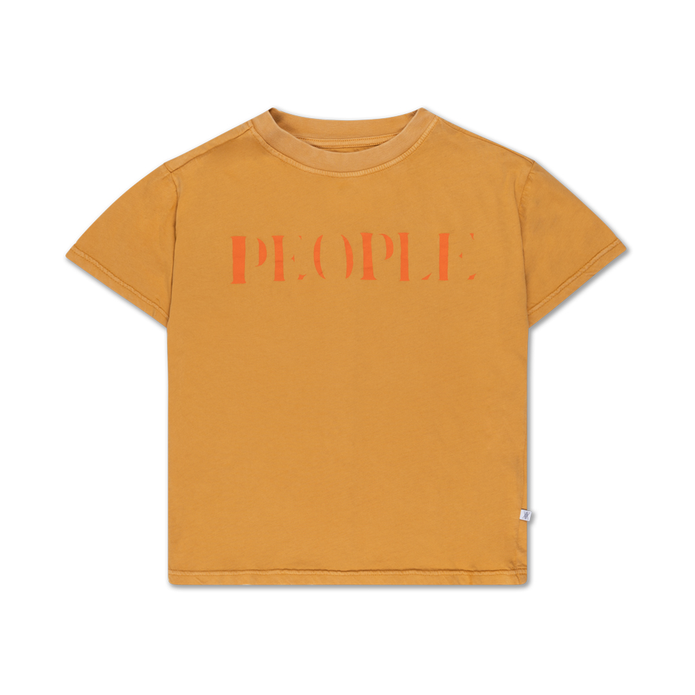 Brand: Repose Ams Colour: Golden Sand  Details: Classic shaped tee shirt with artwork at chest and seam details at back panel, Vintage garment dyed for a unique look for everyday wear. Composition: 100% Organic Cotton  Made in: Portugal