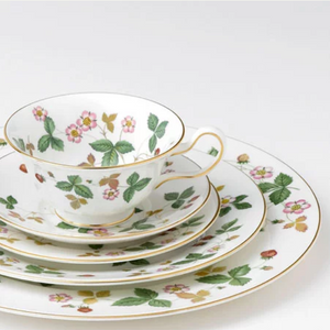 Wedgwood Wild Strawberry Made in England Fine Bone China