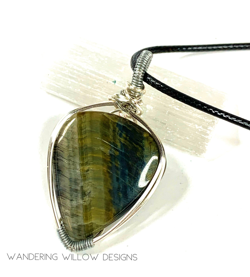 Green Tigers Eye unisex Pendant Necklace