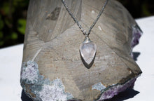 Load image into Gallery viewer, Rose Quartz Heart Tear Necklace