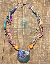 Load image into Gallery viewer, Sari Moss Festival Necklace