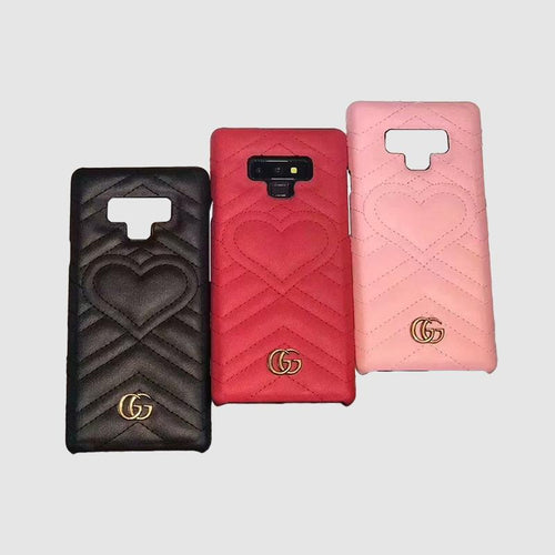 GUCCI(グッチ) ラブ iPhone XS Max、XS、XR、X、7/8、7/8 Plus、6/6s、6/6s Plus ケース 3色